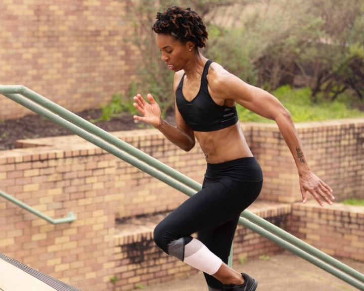 Sk-slim-blend-woman-running-stairs